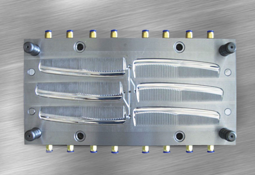 Plastic injection comb mould